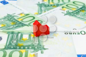Concept house sell foreclosure money banknote red - Popular Stock Photos