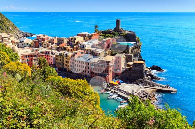 Vernazza Cinque Terre walk trail Italy - Popular Stock Photos